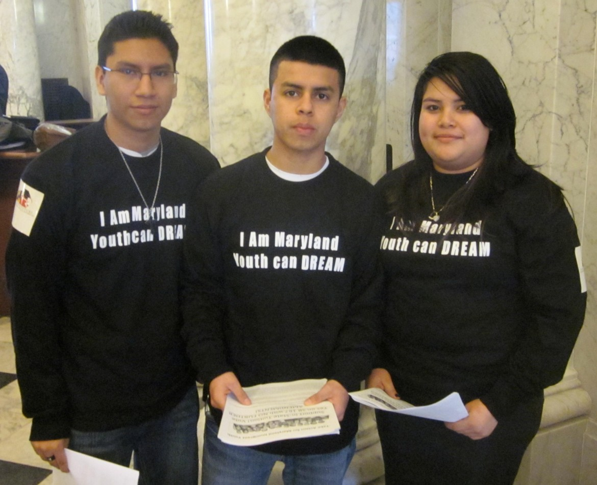 Students in favor of in-state college tuition for illegal immigrants