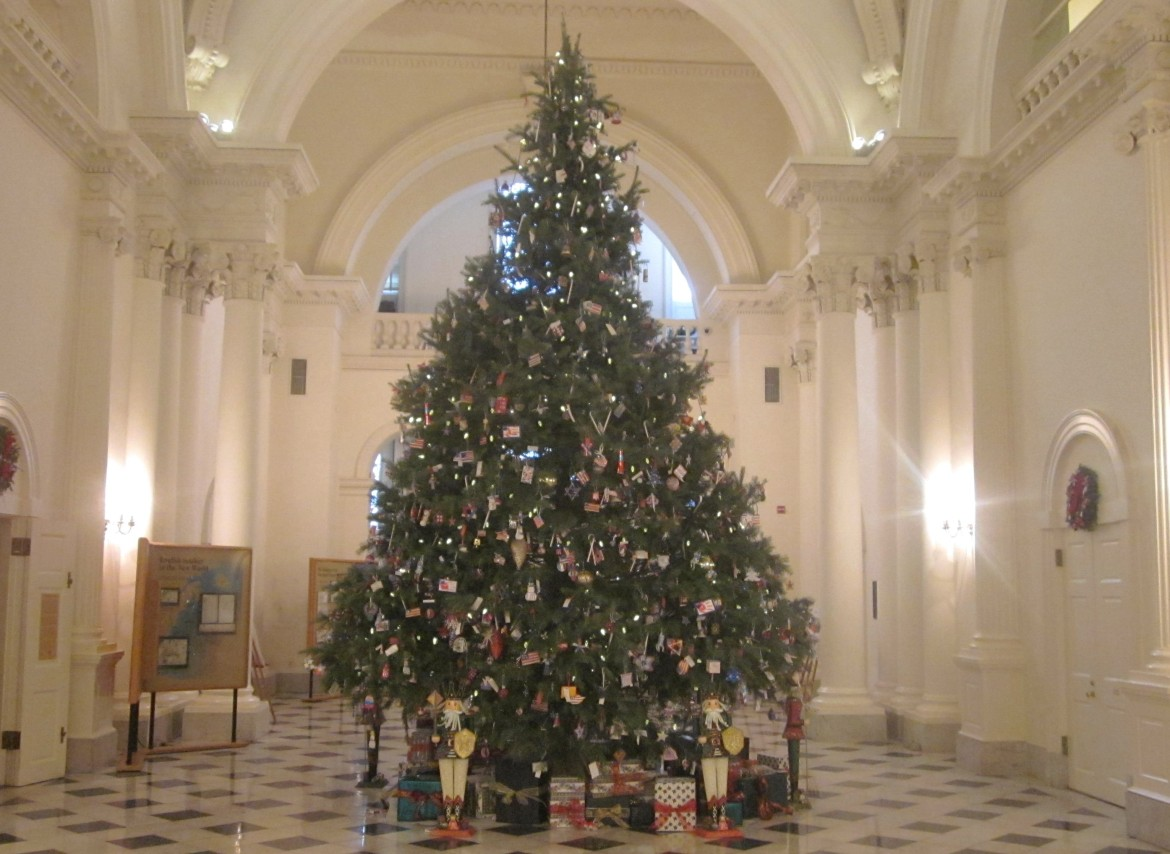 Happy Holidays: 10 Md. School Districts Recognize Religious Holidays By  Name;14 Donu0027t