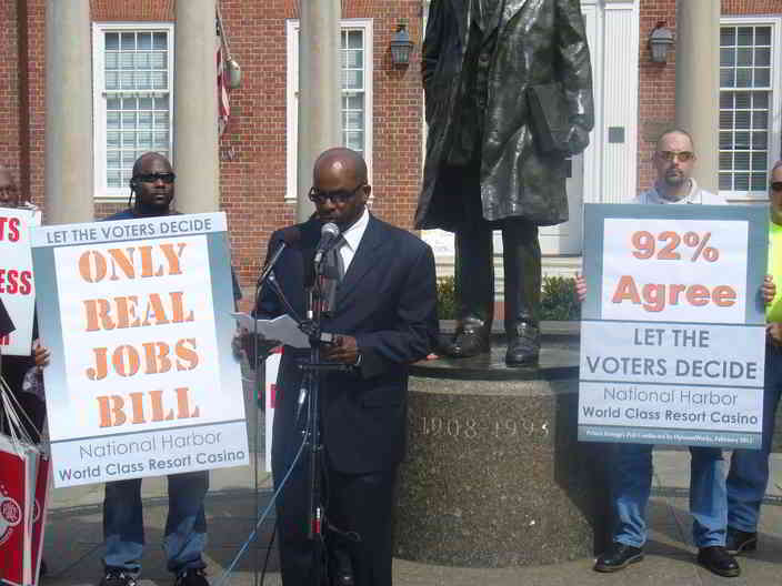 Union leader Mark Coles talks about the jobs a casino at National Harbor.