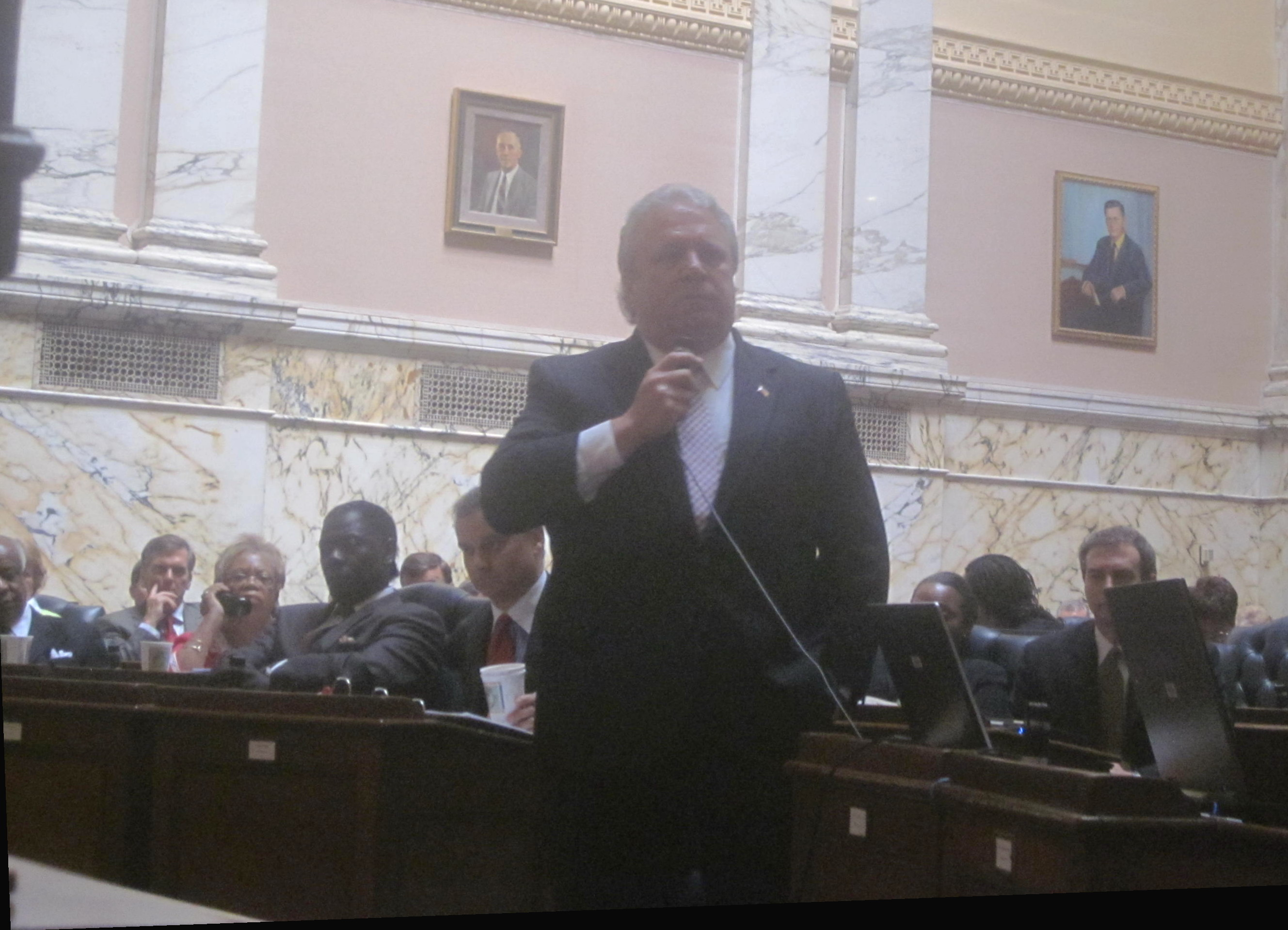House Minority Leader Tony O'Donnell speaks during special session.