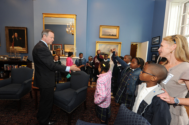 Gov. O'Malley talks to students from Holy Cross Catholic School in his office