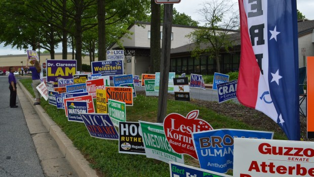 Columbia early voting signs Lam