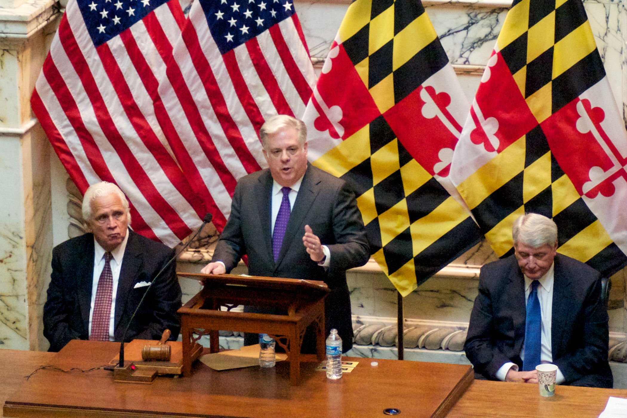 Rascovar: Hogan's choice on the last day — fight or declare victory