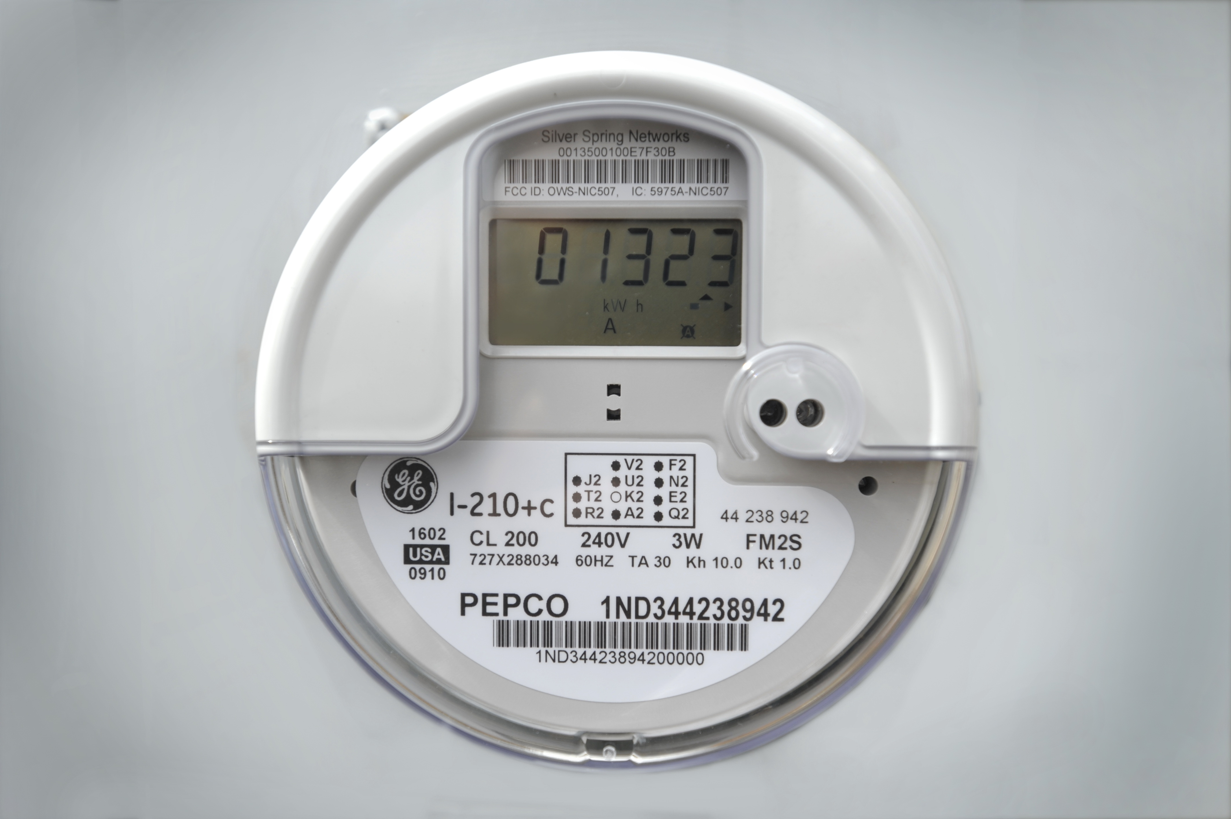 "Utilities spread ""smart meters,"" but some homeowners hold out"