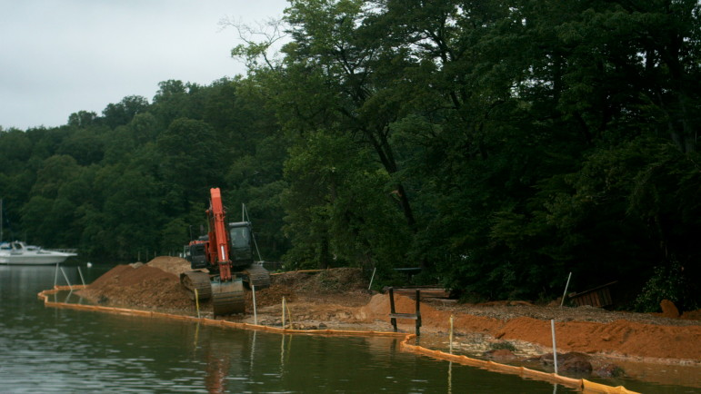Living shoreline at the Pines on the Severn under construction. Photos copyright Underwood & Associates.
