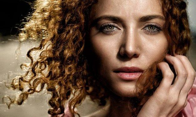 4 Ways Women Can Combat Hair Problems
