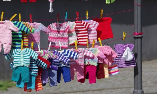 Buying Clothes for a Toddler: Online Vs. Offline