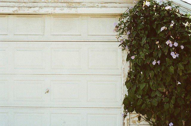 Step by Step Guide to Pick the Best Garage Repair Service