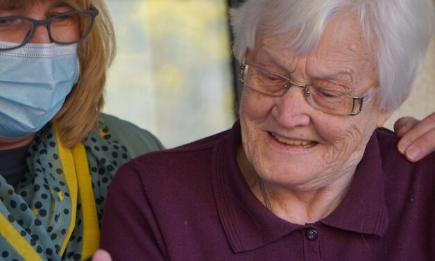 4 Things to Consider When Choosing a Senior Care Facility