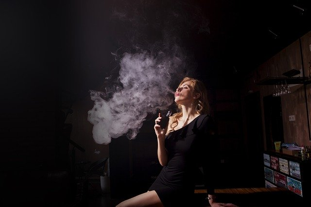 A Look at Vaping Culture: What's the Difference Between Vapor and Smoke?