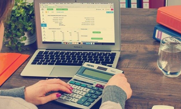 Small business: Benefits of accounting software