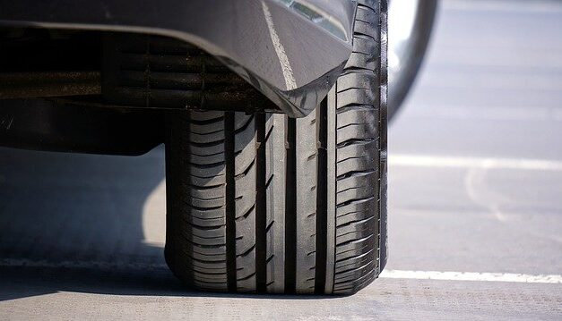 Should I Choose Summer Tires Or All-Weather Tires?