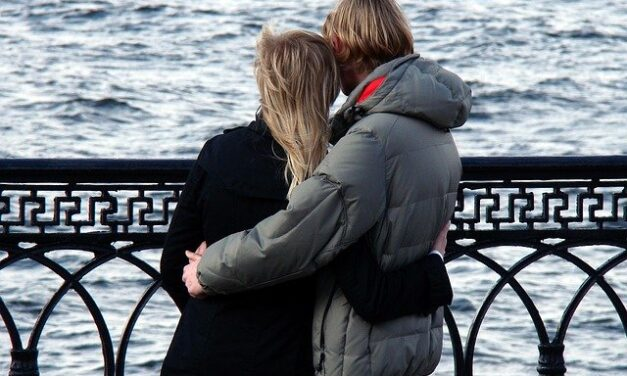How to Date Safely in Maryland During COVID-19