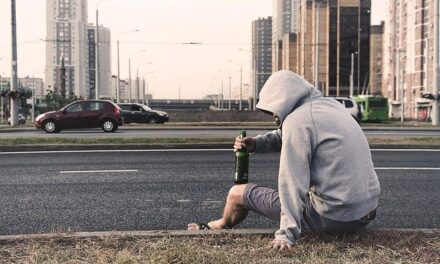 The Top Five Reasons to Seek Help From an Alcohol Rehab Facility